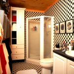 The Vacationer - Cabin-Bath-.jpg
