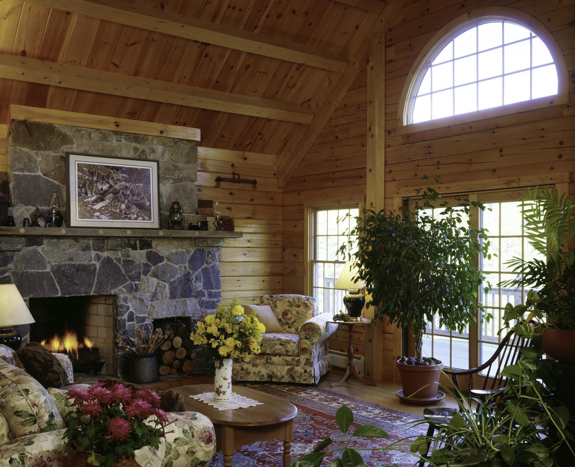 Kentuckean_Modified_Dilorenzo - Dilorenzo-Living-Room-small.jpg